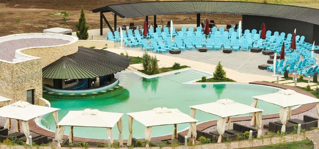 01_piscina-exterioara-domeniul-greaca.jpg